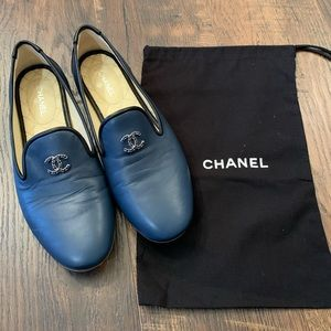 Chanel navy smoking slipper